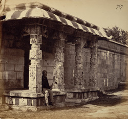 Close view of porch to mandapa of the Kailasanatha Temple, Taramangalam 2689